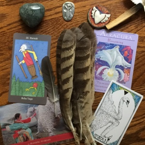 Connecting to my center with tarot and oracle cards